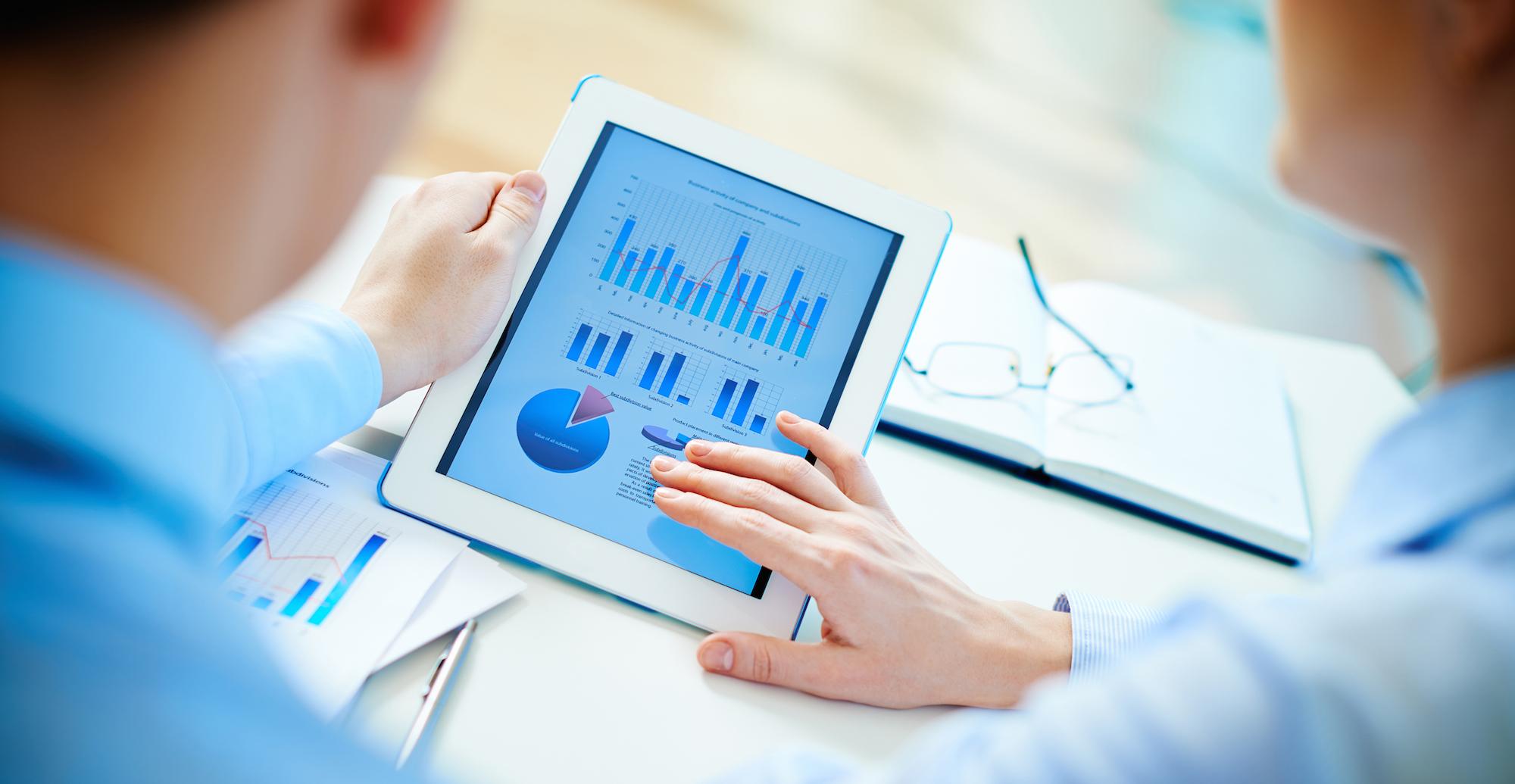 data-business-meeting